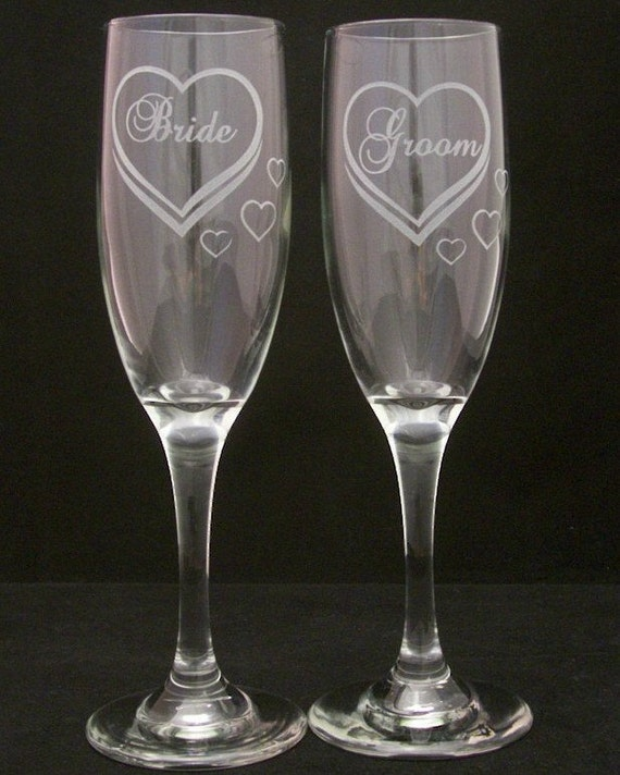 Etched Glass Wedding Gifts: Bride Groom Etched Hearts Wedding Toasting Glasses Wedding