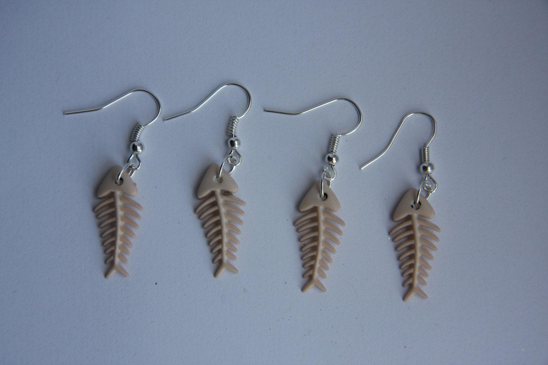 Plastic cat fish bone silver plated dangle dangly earrings for Fish bone earrings