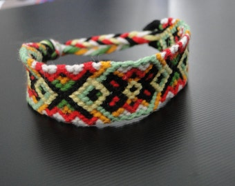 Mexican Scarab // arrow chevron cross friendship bracelet