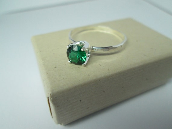 Emerald Ring, Sterling Silver Ring, Handforged ring, Hammered Silver Ring, Imitation Emerald, Lab Grown Emerald