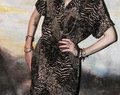 1980's VINTAGE Tabby Animal Print Short Sleeve Knee Length Dress Leopard Zebra Tiger Tan and Black Size 12 (8) Medium Large