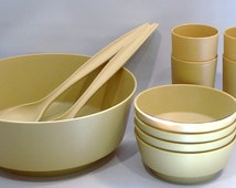 Vintage Rubbermaid Serving and Salad Bowl Set for 4 includes Serving Forks and Tumblers, Mustard Yellow