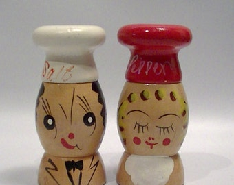Wood Whimsey Mr. and Mrs. Salt and Pepper Head Couple Vintage