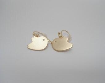 Sparrow Earrings , Bird earrings , Earrrings Bird , tiny bird earrings , tweety bird earrings , birdie earrings , gold bird earrings