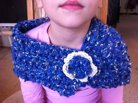 Bufanda Capa para niña Cuello de ganchillo Flor de ganchillo Flor de crochet Cuello niñas Bufanda