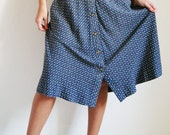 70s Blue Skirt with little Leaf Pattern and side Pockets - HelloOthilia