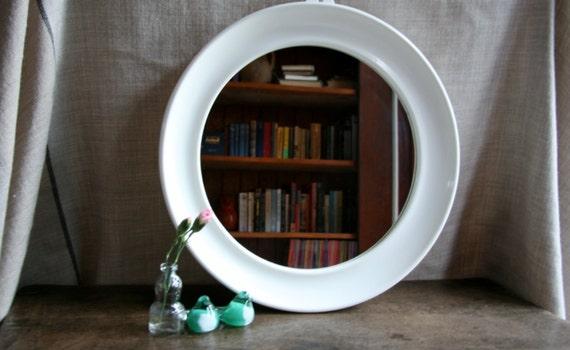 Vintage Funky Retro Circle Mirror with White Plastic Frame - Perfect ...