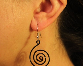 Twist and Turn Earring