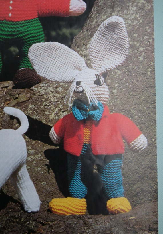 Vintage 1970s Knitting Pattern Knitted Soft by sewmuchfrippery