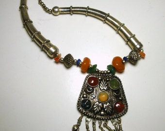 Tribal Stone Pendant Necklace, 1970s Ethnic Filigree, Fringed and Agate Beads and Cabs, Silvertone Metals
