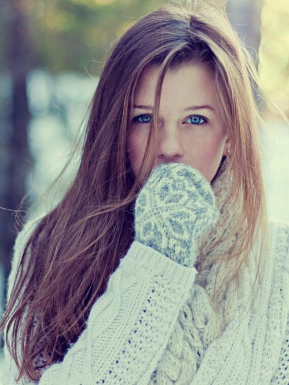Fille avec moufle photographie beaux yeux bleus neige - Fille yeux bleu ...