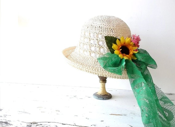 Vintage Cloche Hat. Shabby Garden Hat. Spring Easter. Beach. Casual Day Hat
