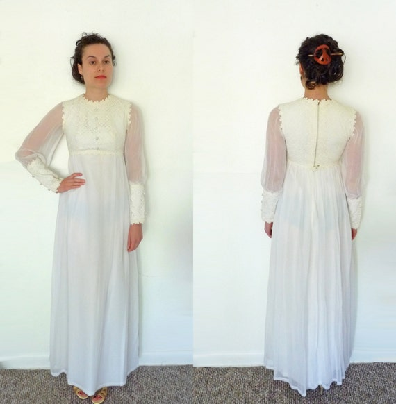 1970s hippie WEDDING dress / lace sheer long sleeves cream / size small