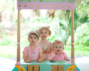 Carousel Bunting. Made to order item. Choose the colors. Nursery Art. Baby Shower. Felt. Eco-Friendly.  Photo prop.