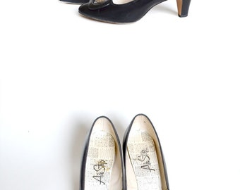 1960s Shoes 60s Shoes Mod Shoes Black 60s Shoes Black 1960s Shoes 1960s Black Pumps 60s Black Pumps Size 7 Shoes Vintage Shoes Womens Shoes