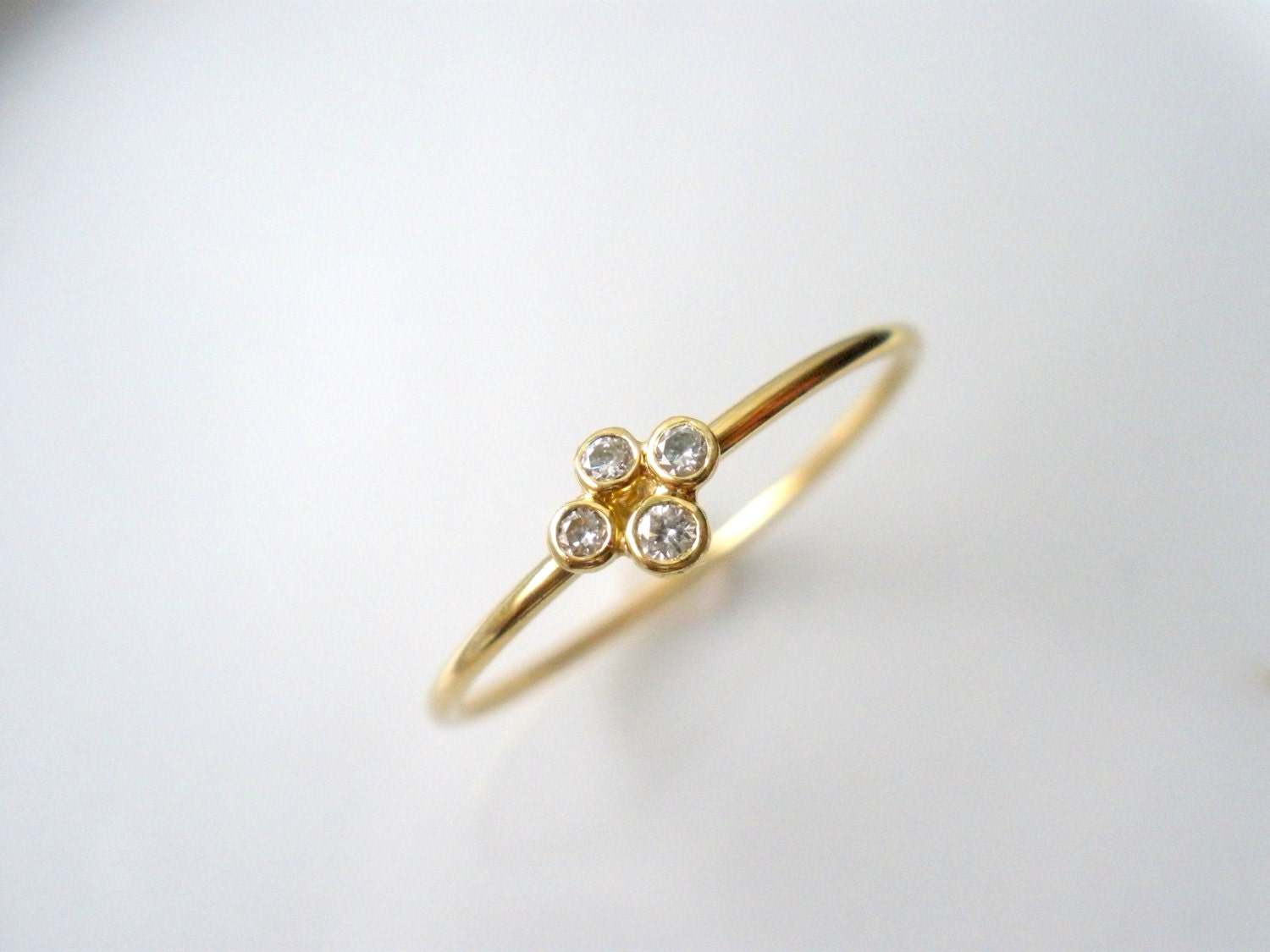 Clover diamond ring 18k gold tiny ring right hand ring for Tiny wedding ring