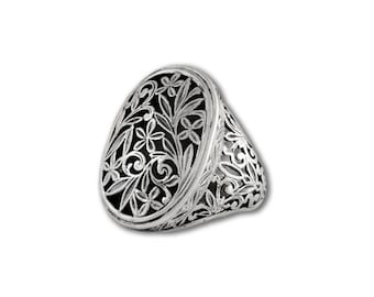ring in sterling silver with floral design