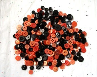 1000 Orange and Black Button SMALL Mix ,  Halloween Colors, Sewing, Crafting Buttons Jewelry Collect (555)