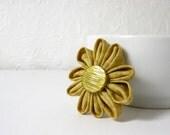 Tsumami Kanzashi Flower - Kanzashi Fabric Pinback Brooch - Fabric Flower Pin - Kanzashi Brooch