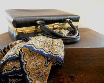 Vintage classic handbag for ladies Leather look handbag Dark brown Classic spring accessory