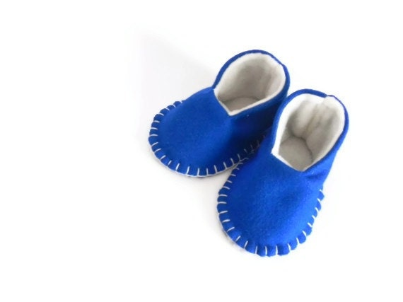 Mini High Tops - Baby Booties - New Baby Gift - Felt Slippers - Shoes - Pregnancy Announcement - 0-6 Months - Blanket Stitched - Blue