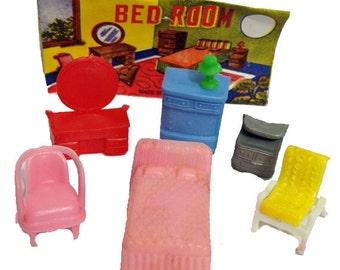1pkg TINY FURNITURE SET 1960s Vintage Plastic Toys