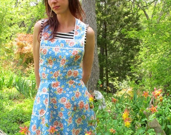 Blue Daisy California Girl p - Flirty Everyday Housewife Apron