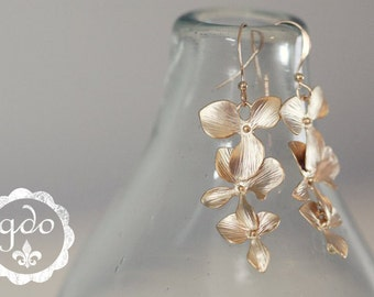 IN STOCK Cascade matte gold or matte silver dogwood earrings from Girls Day Out