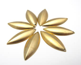 Brass Pointed Oval Charms (10x) (M592)
