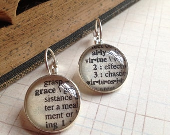 Vintage Dictionary Word Earrings , Personalized Word, Affordable Bridesmaid Gift, Book Page Jewelry, Teacher Gift, Bff Gift, custom earrings