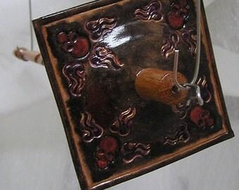 Viking Santa Drop Spindle ( EDS 0436 ) Leather whorle