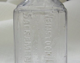 Antique Sacramento, CA Bottle (Clear643)