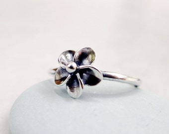 Sterling Silver flower ring,  Plumeria, stackable,  Nature jewelry