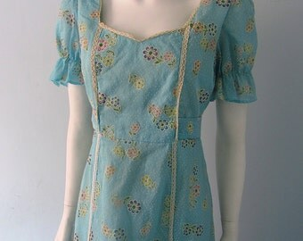 70s maxi polka dot dress with floral motif