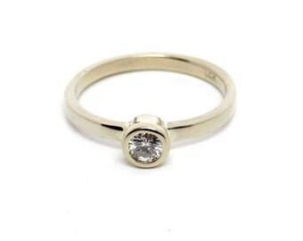 Diamond Engsgement ring 14k white gold