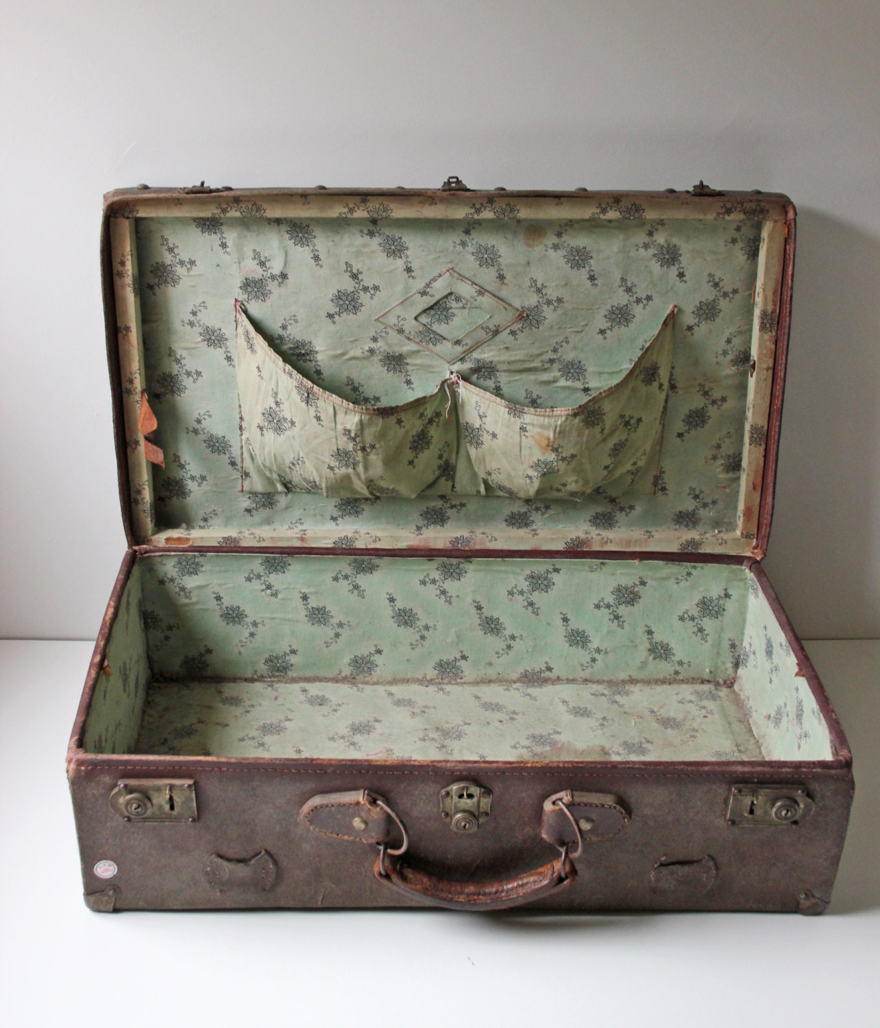 Antique brown leather suitcase from 1900s - Vintage suitcase ...
