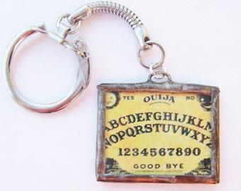 ouija board keychain - keychain - silver - keys - horror - sci fi - board game - halloween