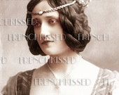 Instant Download Renaissance QUEEN Crowned beauty French postcard DIGITAL scan