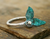 Size 7.5 - Two copper verdigris leaves sterling silver ring