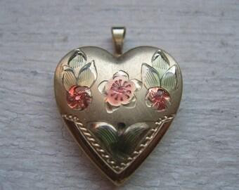 SALE/ Vintage gold fill heart locket
