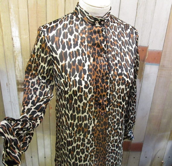 Leopard vintage Vanity Fair Rhinestone buttons 60s silky nylon Top S M
