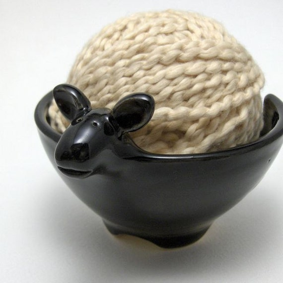 Lamb Shaped Ceramic Yarn Bowl in Black
