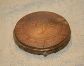 Unusual Vintage Brass Powder Compact ART DECO Flowers with Border