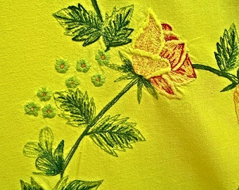 Vintage ROMANTIC Tablecloth Coverlet Banquet rose HEART embroidered Yellow