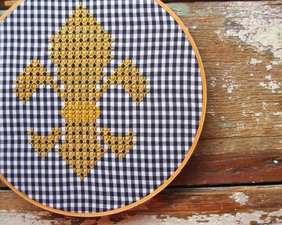 Fleur de lis chicken scratch gingham embroidery pattern and