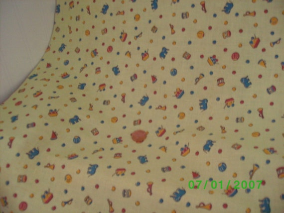 Childrens vintage novelty fabric circus print on yellow for Childrens patterned fabric