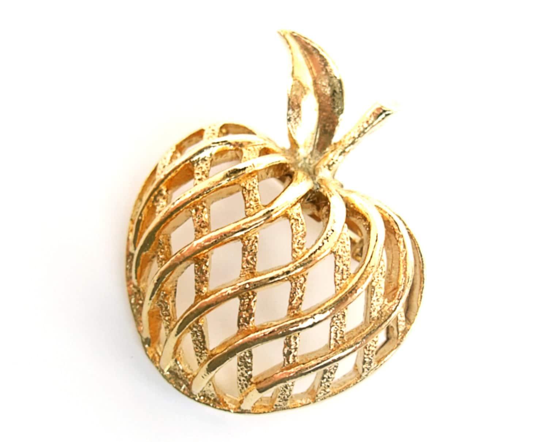 vintage brooch 1950s lattice apple pin signed gerrys jewelry