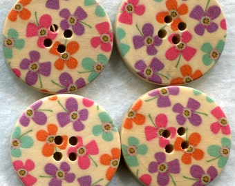 Flower Buttons Decorated Wooden Buttons 30mm (1 1/4 inch) Set of 4 /BT72