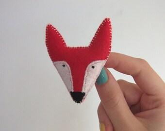 fox felt brooch