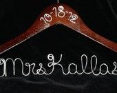 Dress Hanger, Bride hanger, Personalized Hanger, Wedding hanger, Wedding Shower Gift, Mrs. hanger, Wedding Dress